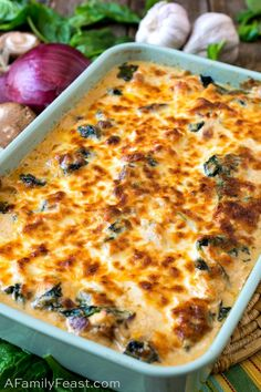 This Keto Chicken Cheese Bake is loaded with tender pieces of chicken mushrooms bacon and spinach in decadent cream sauce. This Keto Chicken Cheese Bake is loaded with tender pieces of chicken mushrooms bacon and spinach in decadent cream sauce. Ketogenic Recipes, Low Carb Recipes, Diet Recipes, Healthy Recipes, Ketogenic Diet, Keto Foods, Vegetarian Recipes, Recipes Dinner, Bon Appetit
