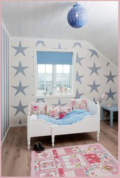 kinderkamer met sterren behang