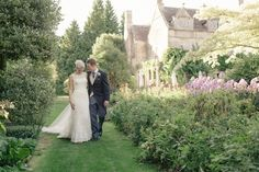 Lovely outdoor venue. #real #wedding #inspiration #venue A chic outdoor wedding Photography: Ria Mishaal