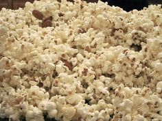 do it yourself divas: DIY: Butter/Almond Popcorn