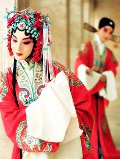 Beijing Opera。京剧。国剧。...@乒乓球球采集到戏装(251图)_花瓣服装