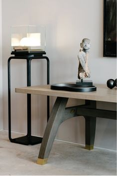 AKAR DE NISSIM's JASPER Stand in solid oak, lampshade in clear glass and base in marble