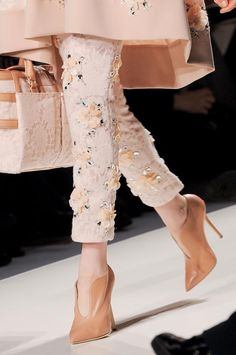 Haute Couture - Blumarine F/W 2013 Dior Couture, Couture Fashion, Runway Fashion, Womens Fashion, Milan Fashion, Fashion Details, Love Fashion, High Fashion, Fashion Design