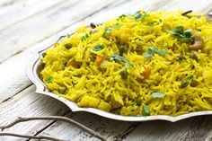 whole spice fragrant rice pulao Veg Dishes, Rice Dishes, Pulao Recipe Indian, Leftover Rice Recipes, Indian Food Recipes, Ethnic Recipes, Indian Foods, Indian Dishes, Side Dish Recipes