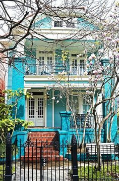 35 Shades Of The Rainbow In One Pretty City / I really want to check out New Orleans someday!