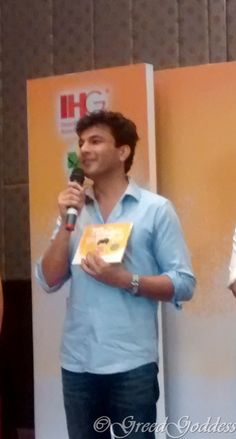 """On the occasion of #ChildrensDay Celebrity Chef Vikas Khanna launches his Book #TheMagicRollingPin A special Book dedicated to Children, this is his first illustrated Book about a small boy """"Jugnu"""" with a big heart Holiday Inn - Mumbai  #HappyChildrensDay"""