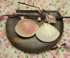 京菓匠 甘春堂の貝合わせ(桜あん)