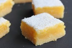 Cuadraditos de limón - Lemon bars Lemon Bars, Cornbread, Cooking, Ethnic Recipes, Desserts, Cakes, Lemon Cookies, Apple Muffins, Limeade Recipe