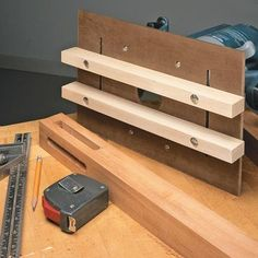 Woodworking For Kids Router Jig for Perfect Mortises. Mortising jig for woodworking. Woodworking jig for cutting mortises. Jig Router, Mortise Jig, Wood Router, Router Woodworking, Learn Woodworking, Woodworking Techniques, Easy Woodworking Projects, Popular Woodworking, Woodworking Furniture