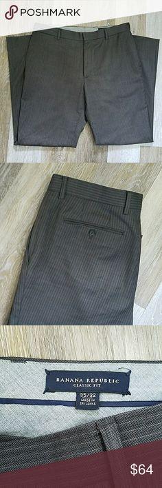 Banana republic men's dress pant suit trousers Like new men's grey stripe Banana Republic trousers / suit pants. Size 35/32 Banana Republic Pants Dress