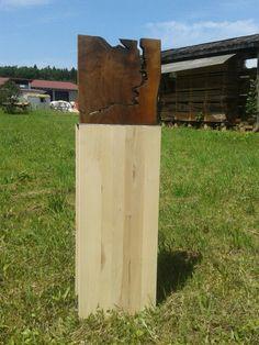 Links der Pegnitz, Rechts der Pegnitz.  Nussbaum im Verlauf der Pegnitz aufgetrennt, auf Ahorn und Stahlsockel