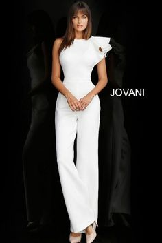 Informal wedding dresses by Jovani at the lowest prices through the official Jovani retailer store. Shop the full range of bridal gowns with next day shipping. White Outfits, Classy Outfits, Girl Outfits, White Fashion, Look Fashion, Informal Wedding Dresses, Formal Dresses, Casual Wedding, Casual Dresses