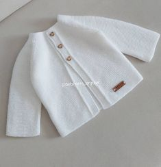 Easy Crochet Patterns, Baby Knitting Patterns, Bowling Shirts, Yarn Shop, Light Jacket, Vintage Patterns, New Trends, Baby Love, New Fashion