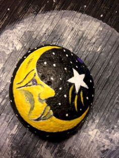 Breathtaking Awesome DIY Rock Painting Ideas : 45+ Best Inspirations https://decoor.net/awesome-diy-rock-painting-ideas-45-best-inspirations-1952/