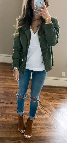 #spring #outfits For Those Of Y'all Who Are Not Quite Experiencing Spring Temps, Here's An Easy Layering Look Idea! I Paired A V-neck Tee With A Utility Jacket + Ripped Jeans And Booties✔️ Everything Except My Booties Is Under $78✨