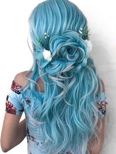 The 10 Head-turning Sexy Hairstyles Ideas, that Men Love wedding hairstyles photo 2019 Equal parts sexy and sweet, the loose pieces escaping the front of this ponytail play up it's girly, bring-home-to-mom innocence. Pretty Hairstyles, Braided Hairstyles, Wedding Hairstyles, Hairstyles Men, Girly Hairstyles, Rose Hairstyle, Fashion Hairstyles, Bridal Hairstyle, Creative Hairstyles