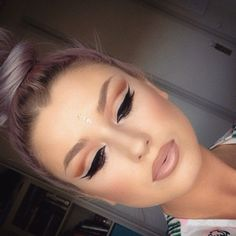 Soft and pretty cut crease I need to learn this! #cutcreasemakeup