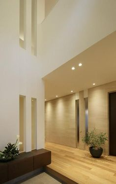 Decor - Just another WordPress site Porch Interior Design, Mansion Interior, Modern Interior, Interior And Exterior, Stone Facade, Style Japonais, My Ideal Home, House Entrance, Japanese House