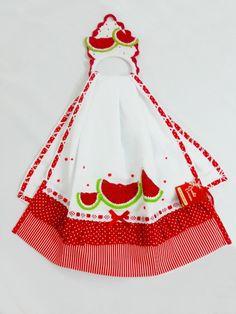 PANO DE PRATO e PORTA PANO: melancia Kitchen Linens, Kitchen Towels, Towel Dress, Bathroom Towels, Tea Towels, Embroidery, Stitch, Fabric Sewing, Dishcloth