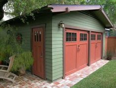 Craftsman color scheme extends to the garage.: