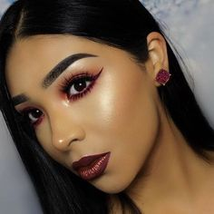WEBSTA @ makeupaddictioncosmetics - @vemakeup713 is glowing with our Holy glow vol 1! Shade used is Sunkissed ☀️#makeupaddictioncosmetics #holyglowvol1