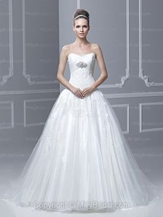 BallGown Sweetheart Tulle Satin Sweep Train White Crystal Brooch Wedding Dresses