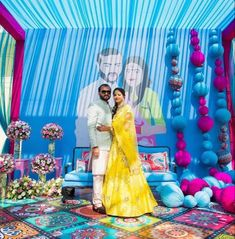 Vintage Wedding Theme, Wedding Set Up, Wedding Events, Drawing Room Setting, Marigold Wedding, Picture Backdrops, Indian Wedding Photography Poses, Floral Backdrop, Indian Wedding Decorations