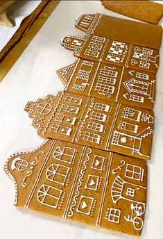Cool Gingerbread Houses, Gingerbread House Designs, Gingerbread Village, Christmas Gingerbread House, Noel Christmas, Merry Little Christmas, Christmas Treats, Christmas Cookies, Christmas Kitchen