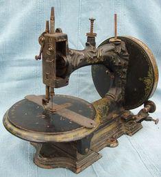 """1863 - Thomas Machine à coudre. Numéro de série de la navette enregistrée 22250. Le """"A"""" a été enregistré dans les années 1860 et 1870. Marque de dessin ou modèle enregistrée pour février 1863"""