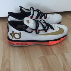 timeless design 046cb c957d KD sneaker Kevin Durant sneaker used size 5 youth womens 7 Nike Shoes  Sneakers Kd