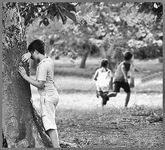 Hide and Seek Childhood Memories Quotes, Childhood Games, Sweet Memories, Beautiful Children, Beautiful Babies, Lea Nahon, Cute Kids Photography, Emotional Photography, Village Photos