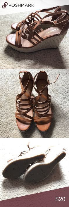 Wedges NWOT camel color. Man made materials. Report Shoes Espadrilles
