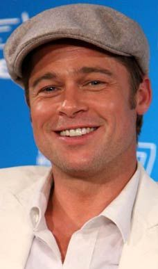 Say cheese: Perfection also means having a 'Brad Pitt smile - The best Brad Pitt Images, Pictures, Photos, Icons and Wallpapers on RavePad! Brad Pitt Images, Brat Pitt, Hollywood Movies 2019, Assassination Of Jesse James, Thelma Louise, Fight Club, Older Men, Perfect Man, Actresses
