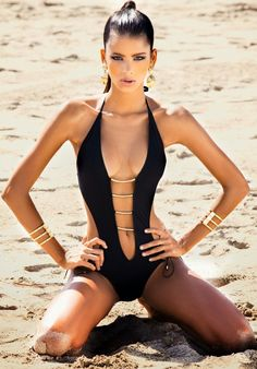 Beach Glamour | Fashion Editorial