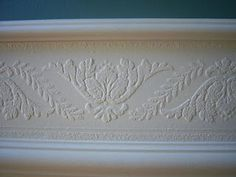 Feature Friday- Faux Carved Wainscoting using Paintable Textured Wallpaper   Suzy's Artsy Craftsy Sitcom