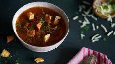 Pavlova med eggekrem | Oppskrift - MatPrat Frisk, Pavlova, Thai Red Curry, Salsa, Lunch, Eat, Cooking, Ethnic Recipes, Desserts