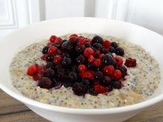 Je ne mange pas souvent de porridges en dehors des jours de boulot, mais ce matin j'en rêvais tellement que je n'ai pas su résister à l'appel d'un bon gros porridge… E…