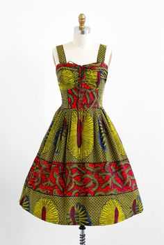 What an eye-catching cool 1950s ethnic inspired print summer dress. #vintage #fashion #1950s