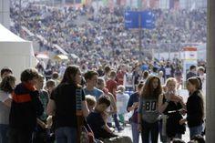 IdeenExpo 2013 in Hannover: Ein neuer Besucherrekord bahnt sich an: Nicht nur aus Niedersachsen, sondern aus ganz Deutschland reisen Schulklassen zur IdeenExpo!
