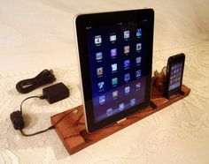 I'd like to have a go at making something like this, or building the docks into a home made desk! iPad iPhone iPod with 4 USB Ports Sync and Charging by idockit