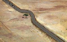 Δεκατέσσερις συγκλονιστικές εικόνες: Οταν ο άνθρωπος υποκλίνεται στη φύση |thetoc.gr