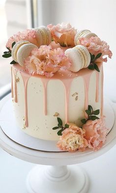 Birthday Cake For Mum, Birthday Cake For Women Simple, Pretty Birthday Cakes, Pretty Cakes, Cute Cakes, Bolo Macaron, Chocolate Drip Cake, Peach Cake, Drip Cakes