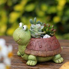 green turtle planter Clay Projects, Clay Crafts, Flower Planters, Planter Pots, Planter Ideas, Planter Garden, Box Garden, Cactus Flower, Cement Flower Pots