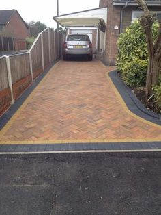 Leading block paving and driveway contractors throughout Yorkshire and Lincolnshire. Our block paving service has a 5 year warranty. Block Paving Driveway, Brick Pathway, Driveway Paving, Outdoor Patio Bar, Backyard Seating, Backyard Patio Designs, Small Courtyard Gardens, Small Courtyards, Front Driveway Ideas