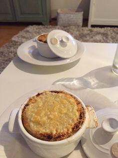 Ranskalainen sipulikeitto suppiksilla:) Pie, Desserts, Food, Torte, Postres, Tart, Fruit Cakes, Deserts, Hoods