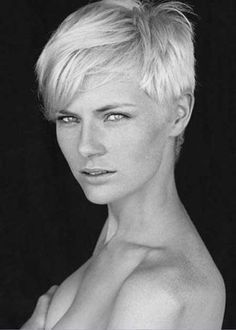 Boyish Simple Platinum Haircut