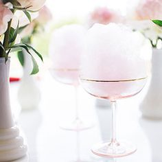 Read on to see how you can recreate this heavenly Cotton Candy Champagne Cocktail...