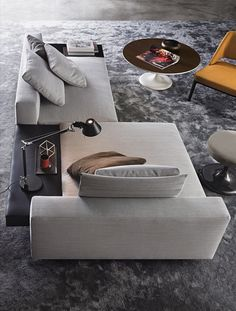 Smink Incorporated | Products | Sofas | Minotti | White