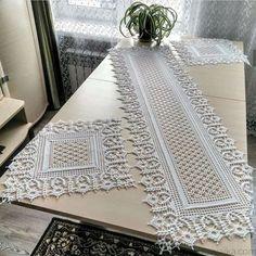 Crochet Table Runner Pattern, Crochet Doily Diagram, Crochet Rug Patterns, Filet Crochet Charts, Crochet Tablecloth, Doily Patterns, Crochet Motif, Crochet Decoration, Crochet Home Decor