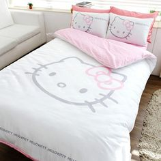 Hello Kitty bedding - Think my dogs would be ok with this? Looks like shabby hello kitty! So cute